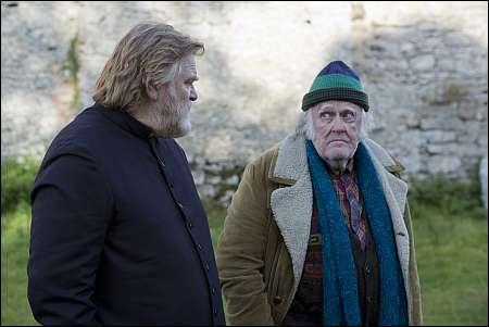 Brendan Gleeson und M. Emmet Walsh in 'Calvary' © Ascot-Elite