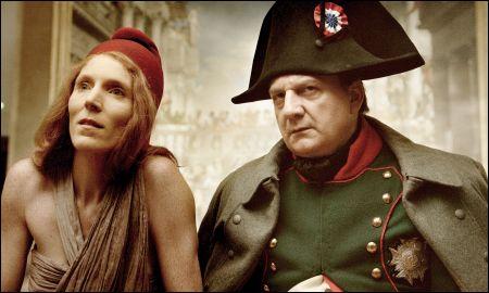 Johanna Korthals Altes als Marianne und Vincent Nemeth als Napoléon Bonaparte © Look Now!